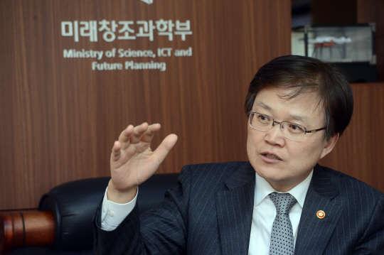 """최양희 장관 """"4차 산업혁명 주도할 플랜 연내 수립"""""""